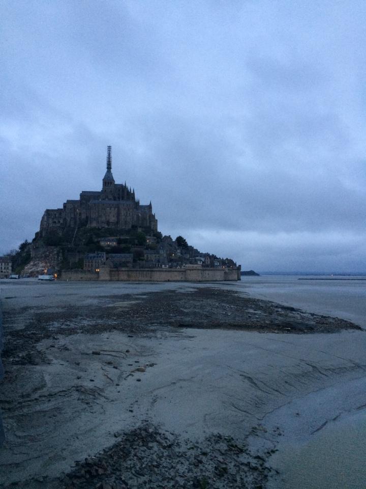 Blonde in Grey - Mont Saint-Michel (30)
