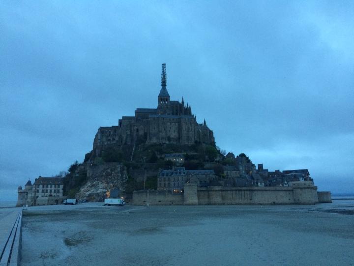 Blonde in Grey - Mont Saint-Michel (32)