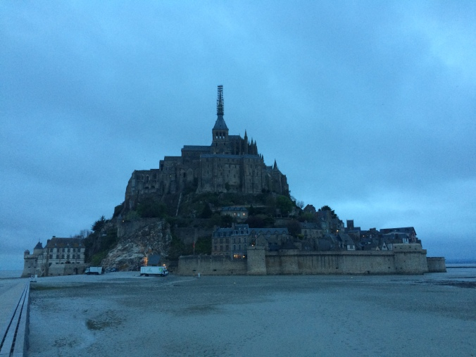 Blonde in Grey - Mont Saint-Michel (32)