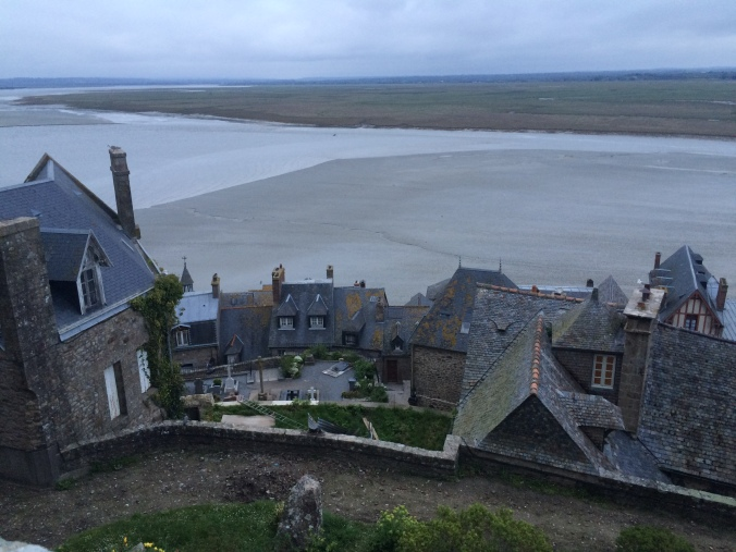 Blonde in Grey - Mont Saint-Michel (46)