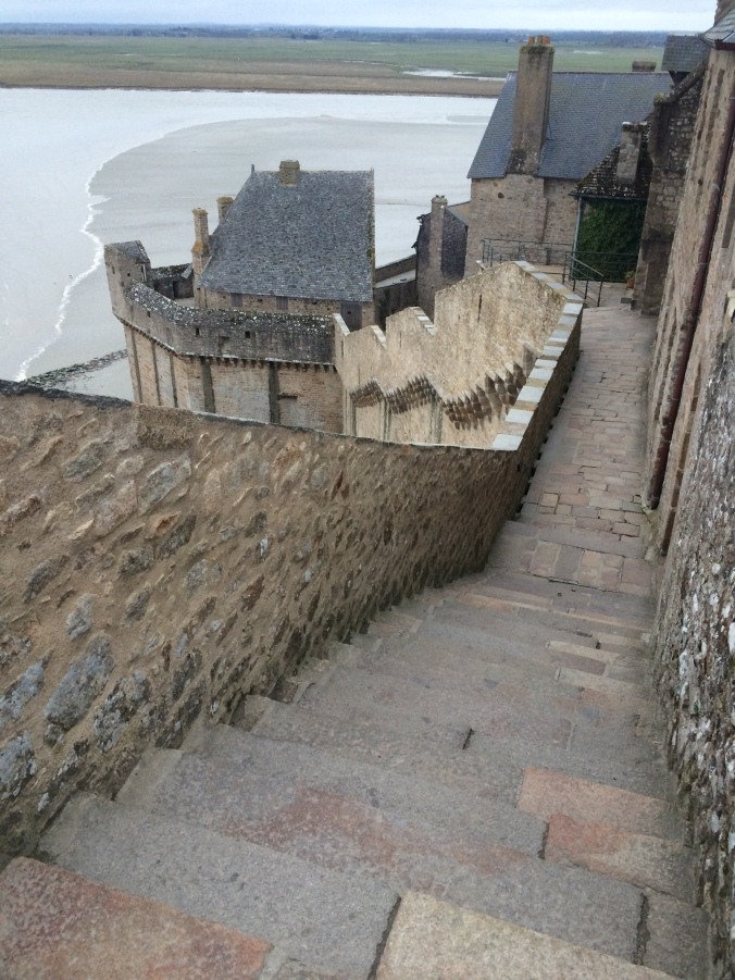 Blonde in Grey - Mont Saint-Michel (51)