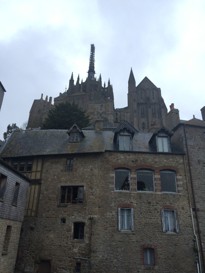 Blonde in Grey - Mont Saint-Michel (55)