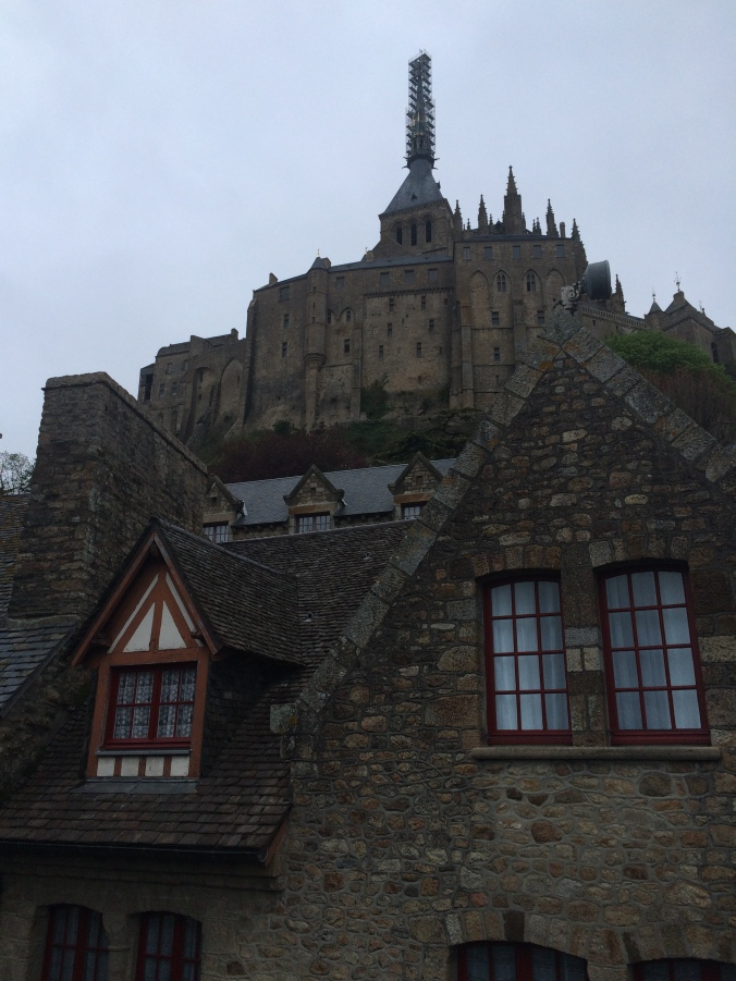 Blonde in Grey - Mont Saint-Michel (57)