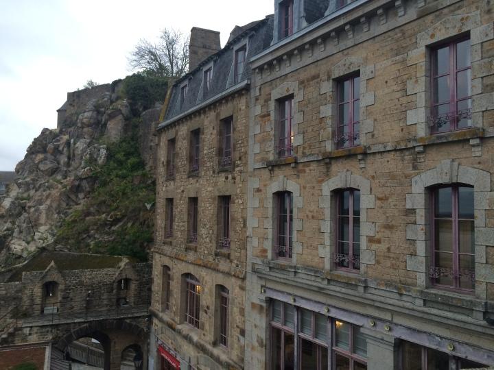 Blonde in Grey - Mont Saint-Michel (58)