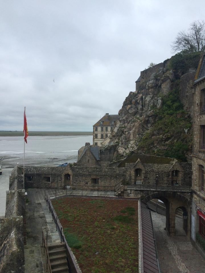 Blonde in Grey - Mont Saint-Michel (60)