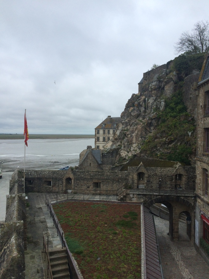 Blonde in Grey - Mont Saint-Michel (60)