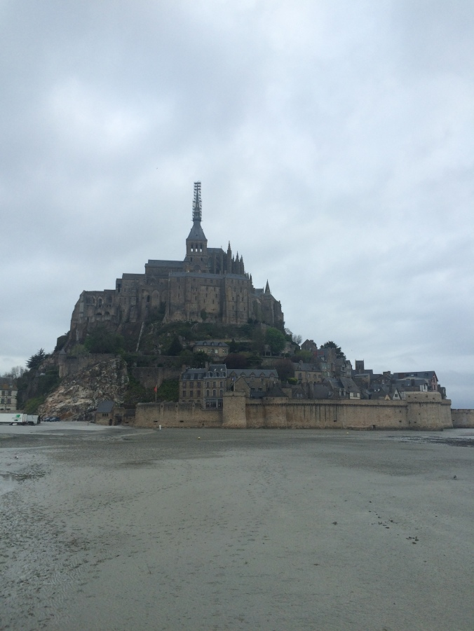 Blonde in Grey - Mont Saint-Michel (63)
