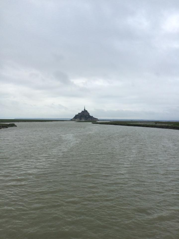 Blonde in Grey - Mont Saint-Michel (65)