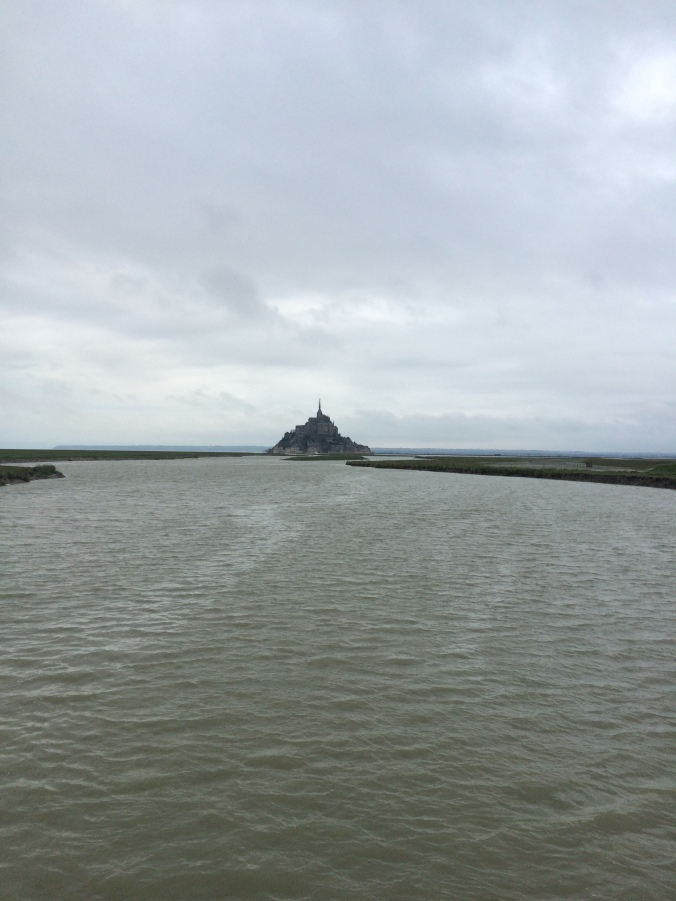 Blonde in Grey - Mont Saint-Michel (65)