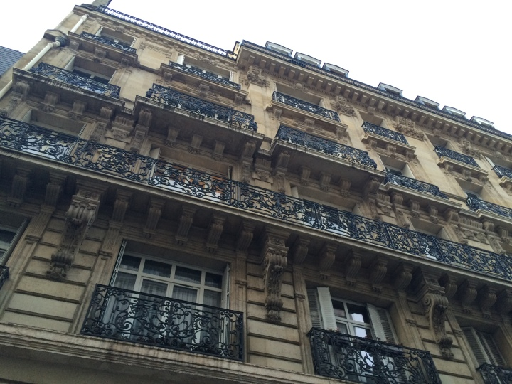 Blonde in Grey - The Beauty of Paris (15)