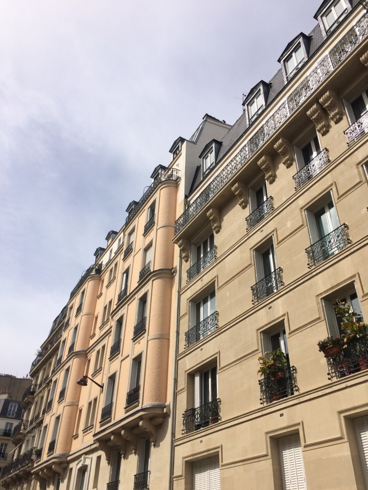 Blonde in Grey - The Beauty of Paris (17)