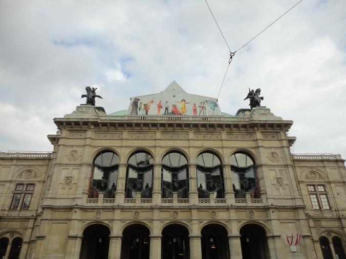 Blonde in Grey - Vienna 1 (1)