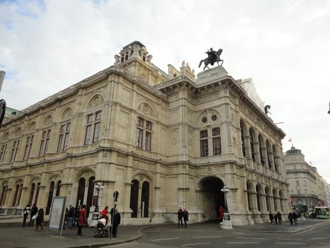 Blonde in Grey - Vienna 1 (2)