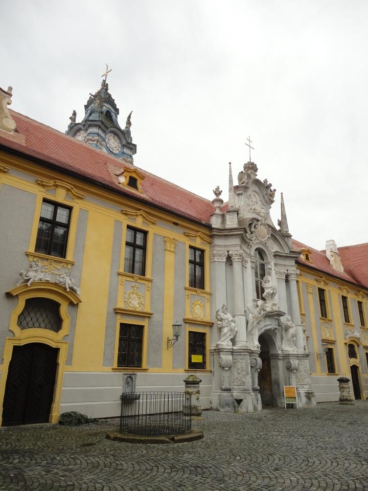Blonde In Grey - Vienna 3 (6)