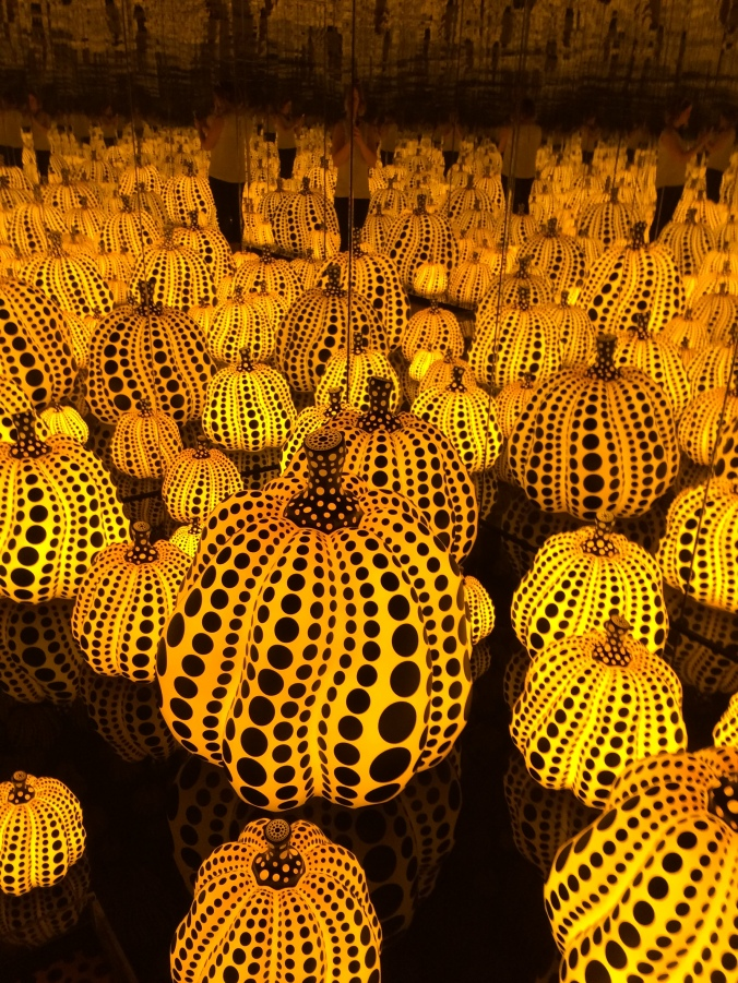 Blonde In Grey - An Infinity of Pumpkins (11)