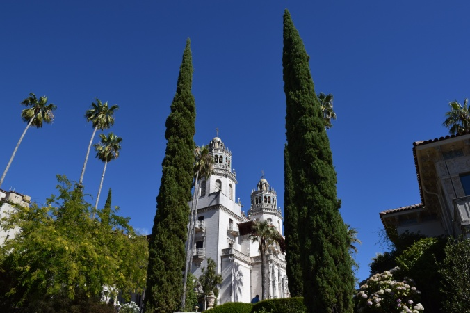 Blonde in Grey - Hearst Castle (10)