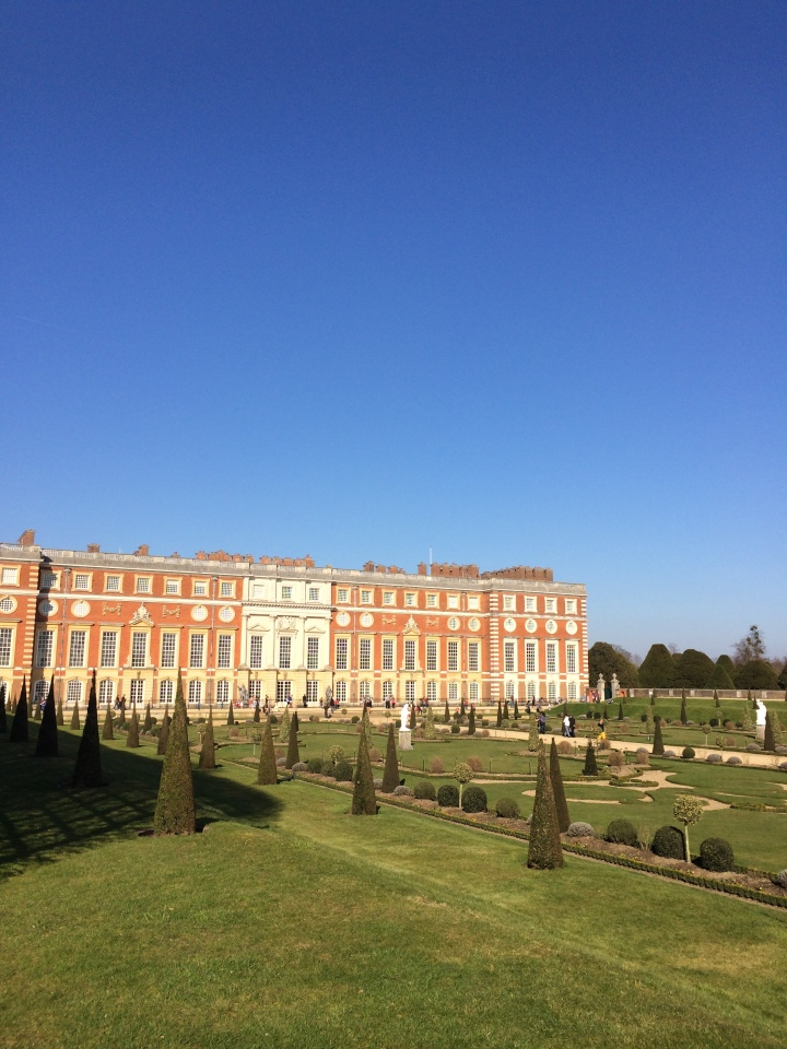 blonde-in-grey-hampton-court-palace-18