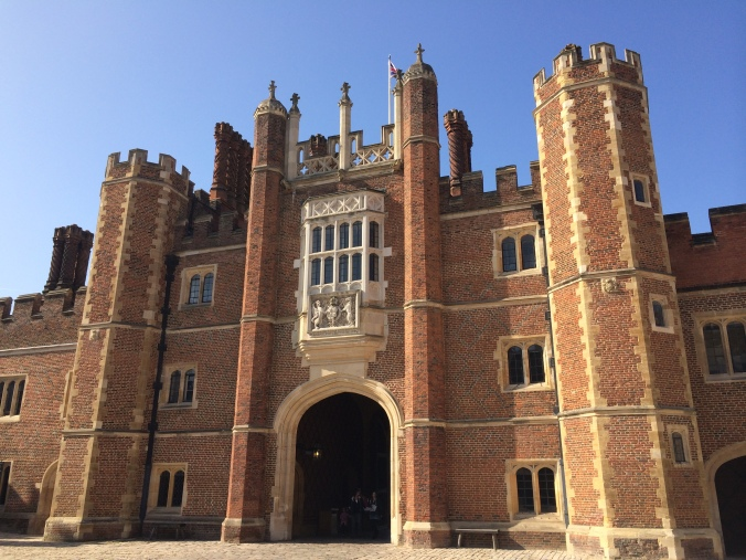blonde-in-grey-hampton-court-palace-4