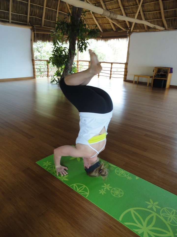 blonde-in-grey-mexican-yoga-retreat-part-2-29