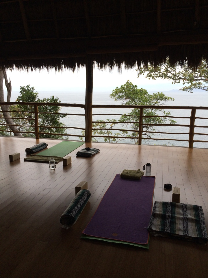 blonde-in-grey-mexican-yoga-retreat-part-3-16