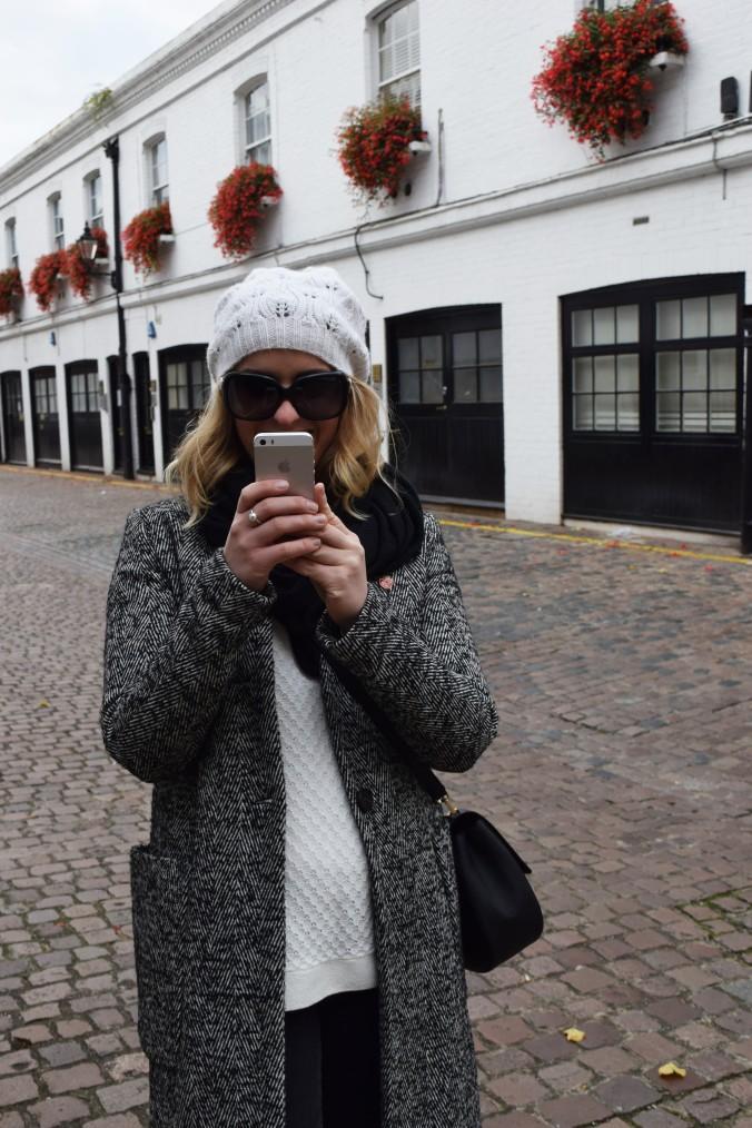 blonde-in-grey-kensington-style-13
