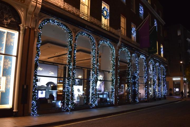 blonde-in-grey-london-lights-15