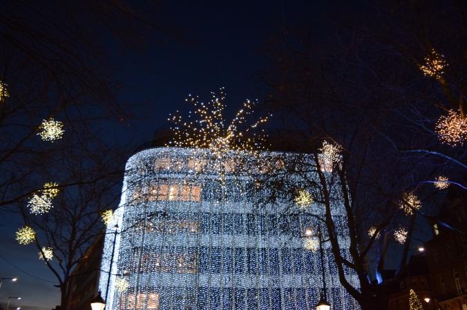 blonde-in-grey-london-lights-29
