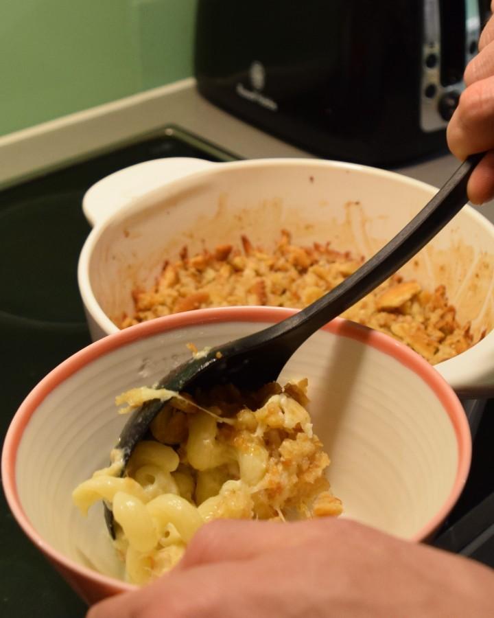 blonde-in-grey-moms-mac-cheese-recipe-20