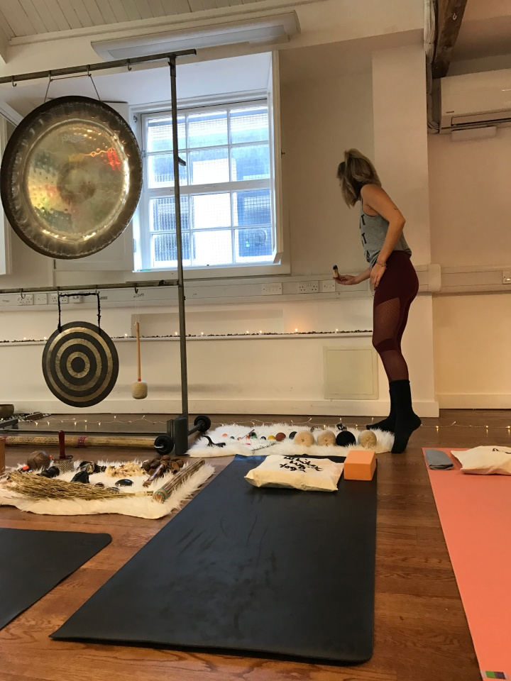 Blonde In Grey - 27.03.2017 - White Light Yoga (8)