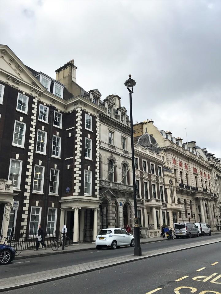 Blonde In Grey - London Sights (4)